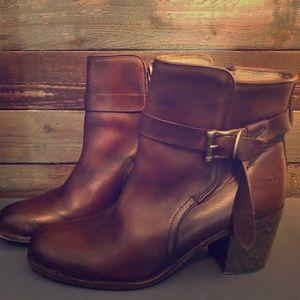 Women's size 10 Frye short boots